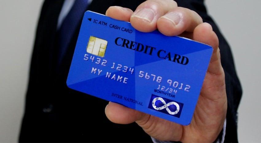 個人事業主が楽天カードの次に2枚目のカード(クレジット・デビット)を持つ方法 4選